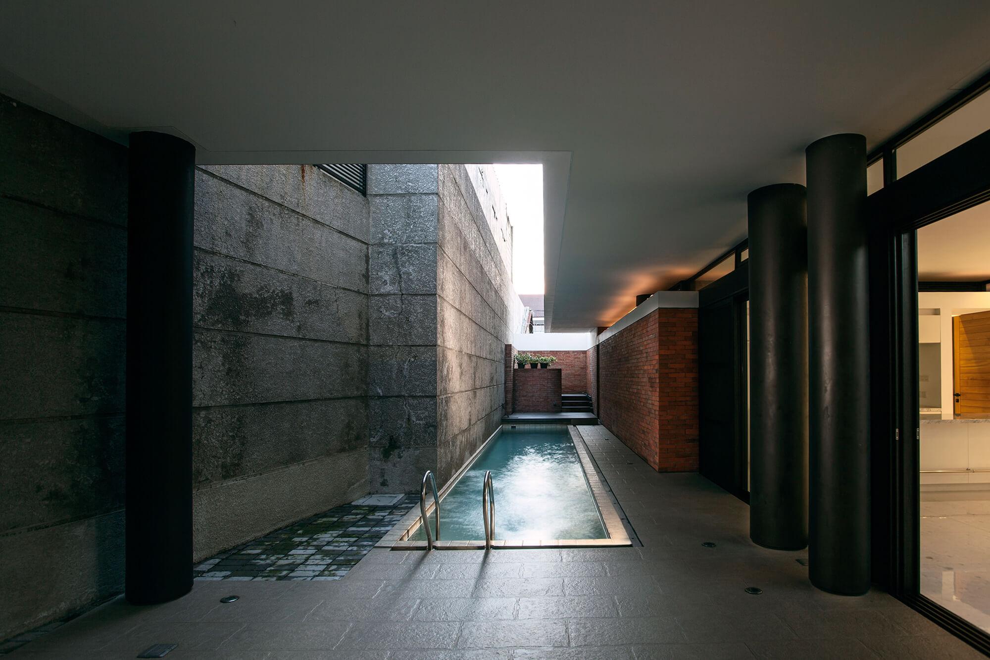 Bungur_House__pool
